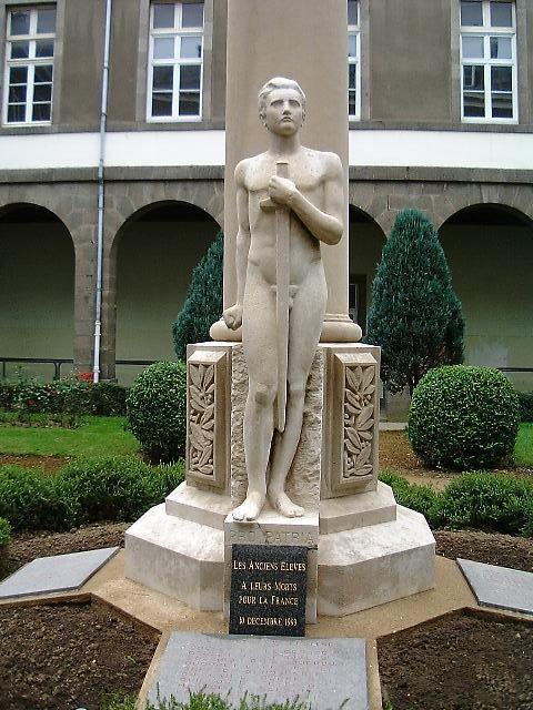 Statue en pierre de chauvigny - Garage anatole france villeneuve saint georges ...